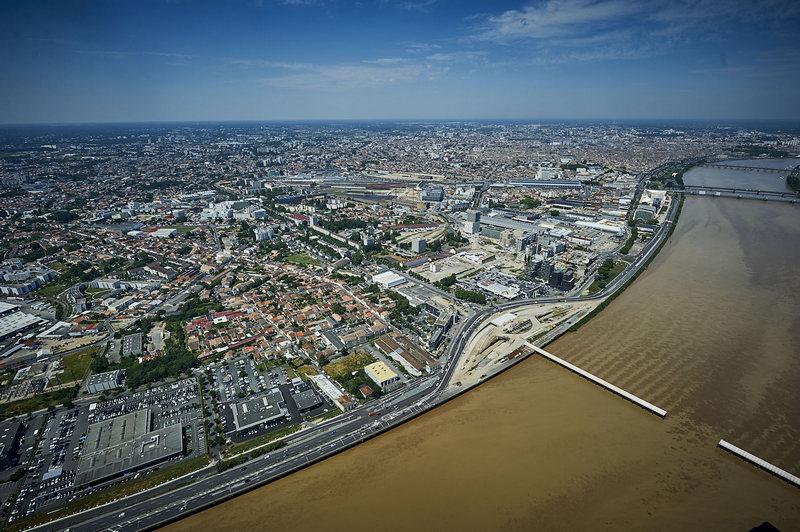 Bordeaux - Réhabilitation des berges de Garonne et reconversion d'une ancienne autoroute